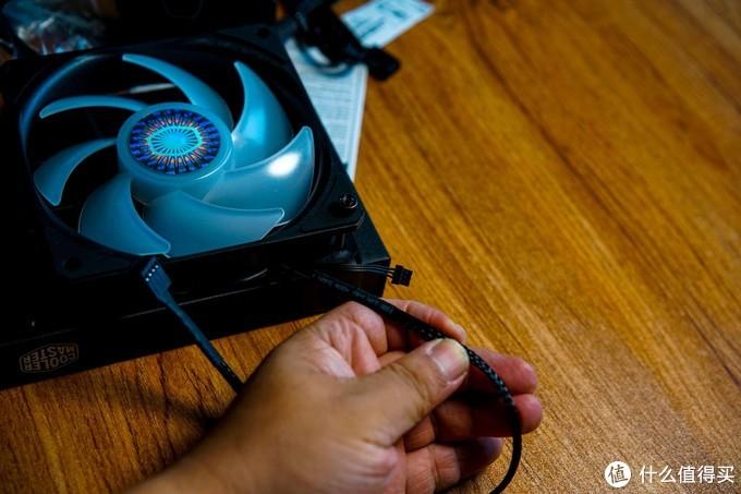 机箱、散热、电源还是选酷冷的:瞳心瞳力智瞳MB400L效能搭档