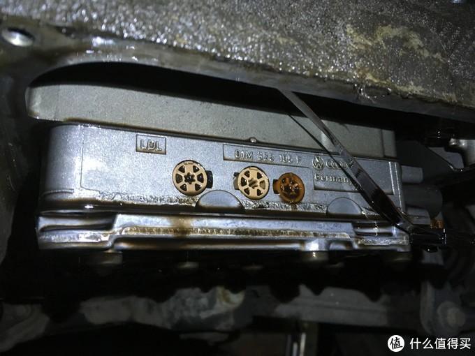 侧面标注了标号 01M是变速箱型号 后面是产地(德国)