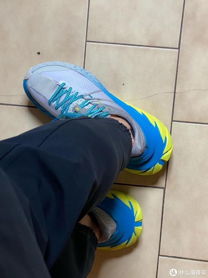 世上最大屁股的越野跑鞋,Hoka TenNine开箱评测!