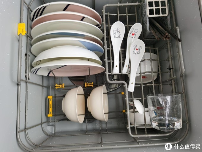 厨房里的魔术师 | 方太水槽洗碗机评测