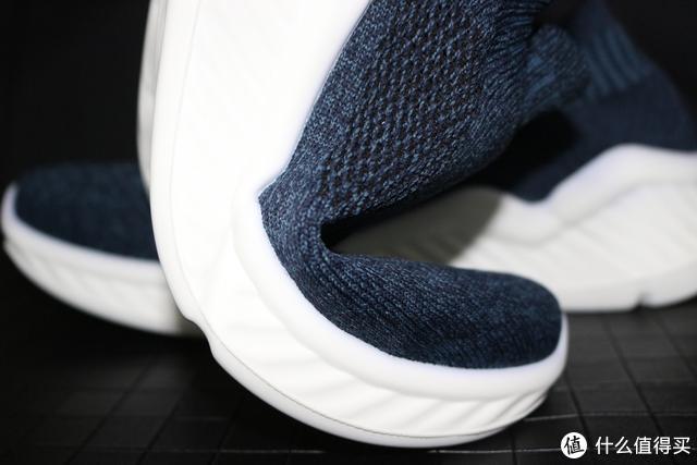 """这双""""袜子""""真特别,不仅防雨抗菌,还能当鞋穿"""