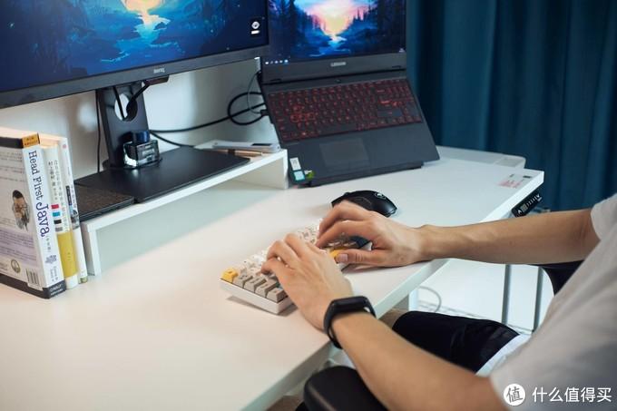 可站可坐,可娱乐可工作:网易严选升降桌使用体验 & 简约风桌面好物分享
