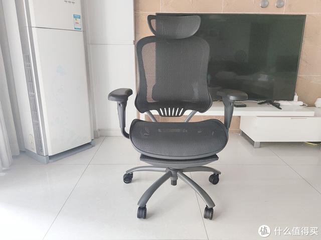 买椅子要外观还是舒适,实测老罗带货网易严选工学椅,告诉你答案