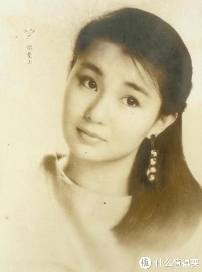 张曼玉出道时一直是小家碧玉的角色