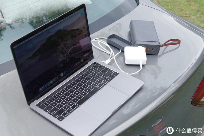 车主必备:倍思倍能量便携式PES汽车启动户外电源评测