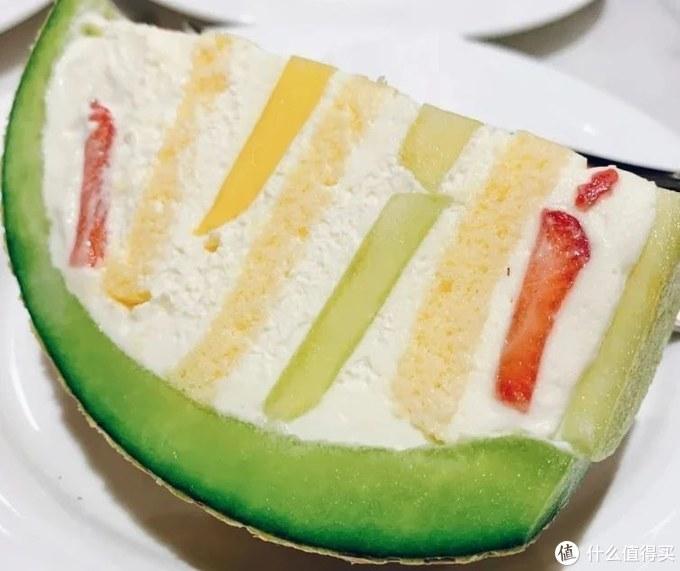 某甜品店的蜜瓜蛋糕