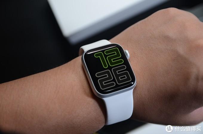 Apple Watch也谈性价比?Apple Watch SE、Series 5对比