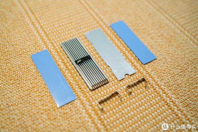 """天猫9块9包邮的廉价""""三无""""M.2固态硬盘散热器晒单简评,满载41°C好评确认"""