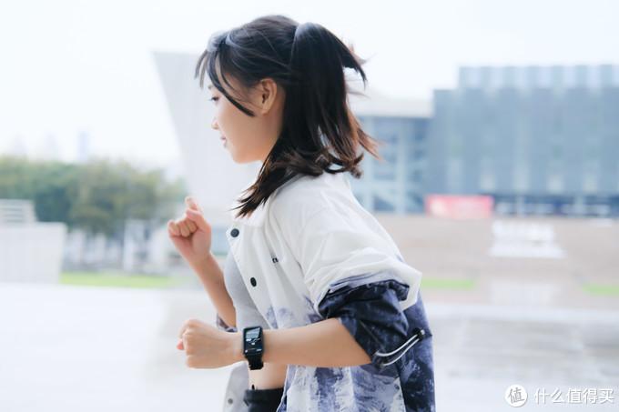 时尚大屏随身健康运动管家——体验荣耀手表ES