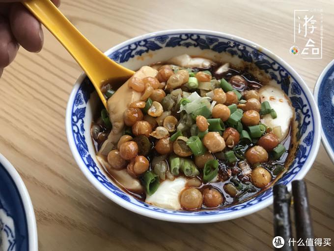 重庆哪里能吃到豆腐脑?外地游客根本找不到,最后只能吃豆花