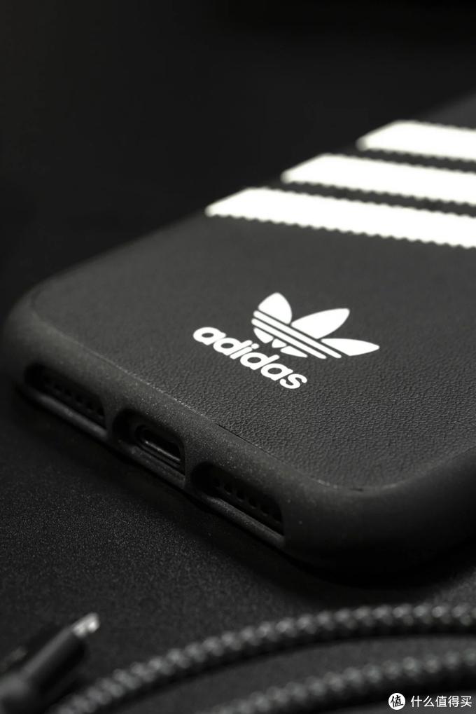 运动潮人必备adidas 经典系列iPhone 手机壳