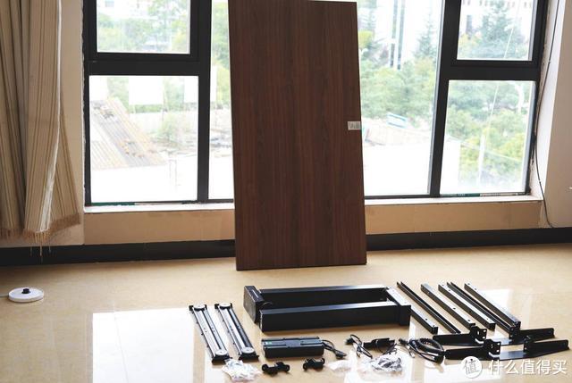 解决久坐弊病 自媒体人手一张的网易严选电动升降桌 这么好用?