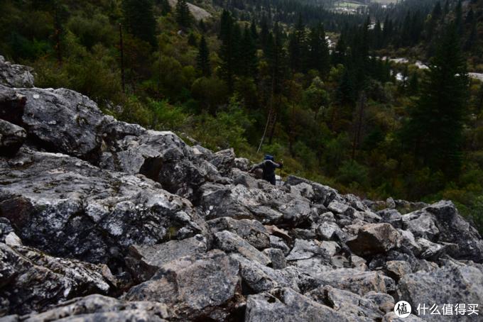上肖扎湖的大碎石路段  一定要小心石头松动