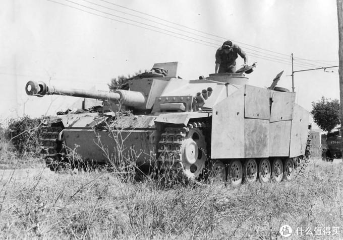 一辆被缴获的三号突击炮G型,1944年,意大利