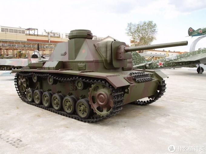 改进型号SU-76i,大部分都是使用三号坦克的底盘制造,只有很少的几辆是有三号突击炮改造的