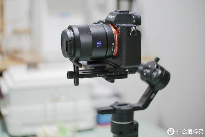 真香!年轻人的第一台相机稳定器!飞宇科技 AK2000C 相机手持稳定器