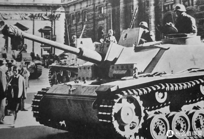 三突G初期型,注意前装甲上叠加的附加装甲