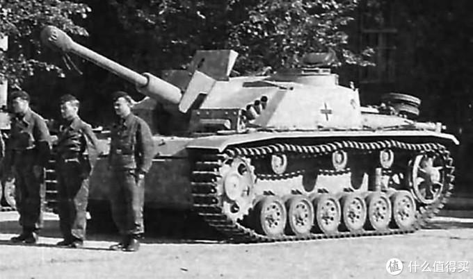 三突G中期型,前装甲已改为一体式装甲