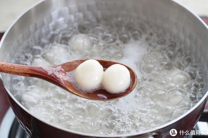 比奶茶还好喝的红豆糯米丸子,既是主食又是甜品,糯叽叽奶香十足