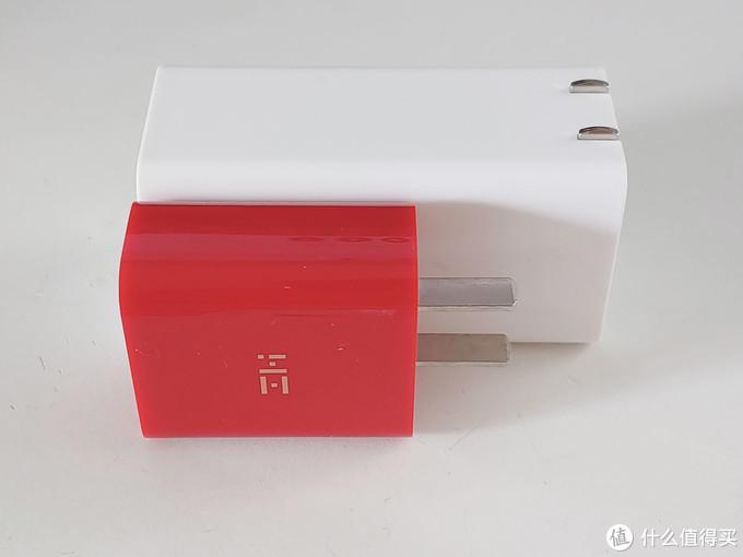 和紫米18W的PD充电器比较