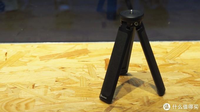 年轻人的第一款稳定器-飞宇AK2000C