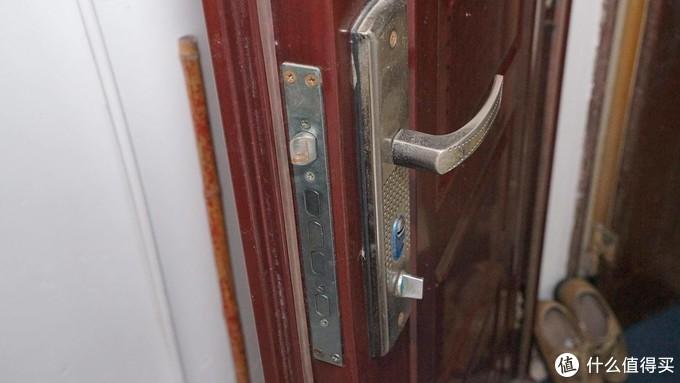 给这把旧锁来一张退休前的纪念