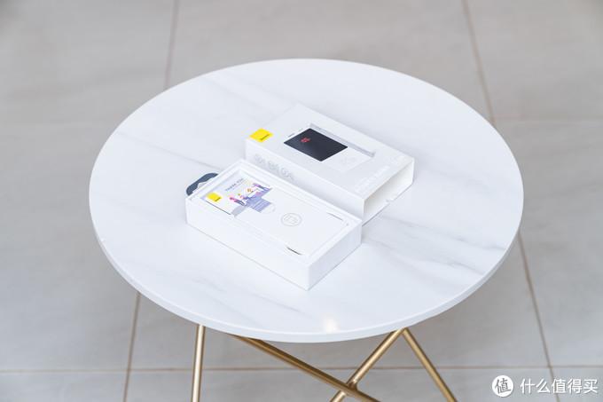 华为22.5W+苹果20W快充通吃:倍思迷你数显快充移动电源了解一下
