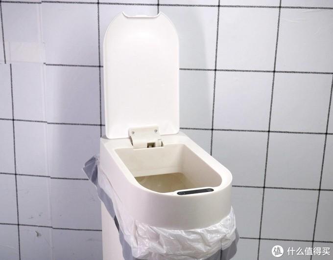 科技改变传统、垃圾桶也能很智能,小向智能感应垃圾桶