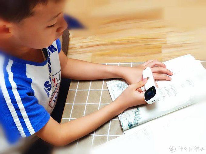 为孩子请一个智能家教 阿尔法蛋词典笔Q3入手体验