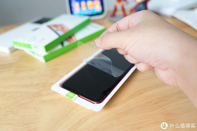 手机膜也能防偷窥?Belkin专为iPhone打造的这款贴膜告诉你答案