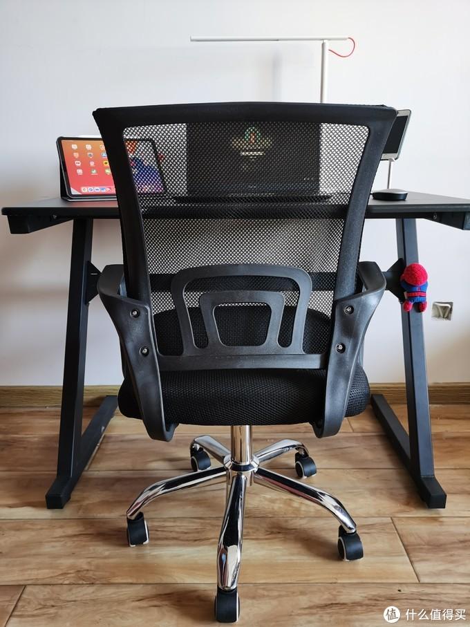 书房添新,娱乐工作两不误。400元入手一套电竞桌椅,真香