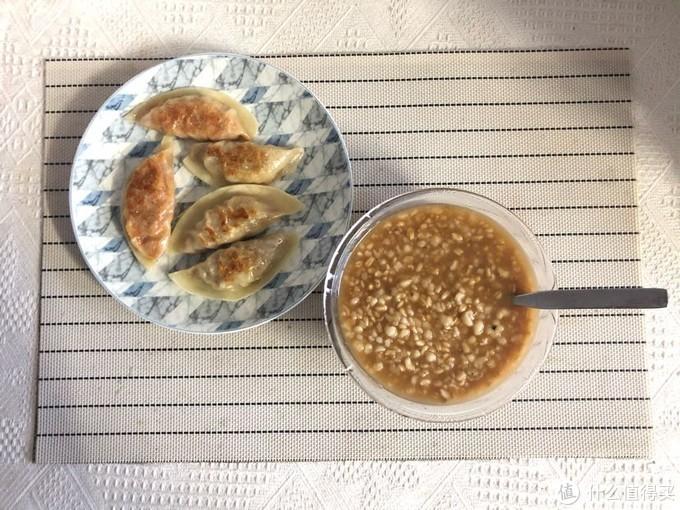 杂粮粥+煎饺