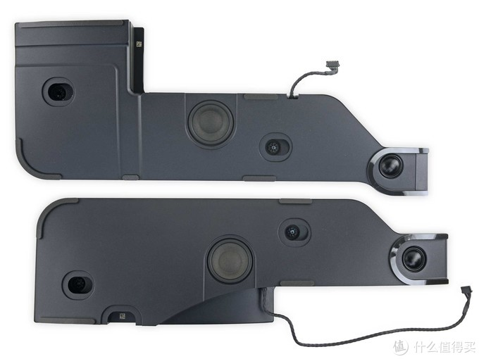 图片来自ifixit.com,音箱上扬声器单元数量够多,应该是分频喇叭