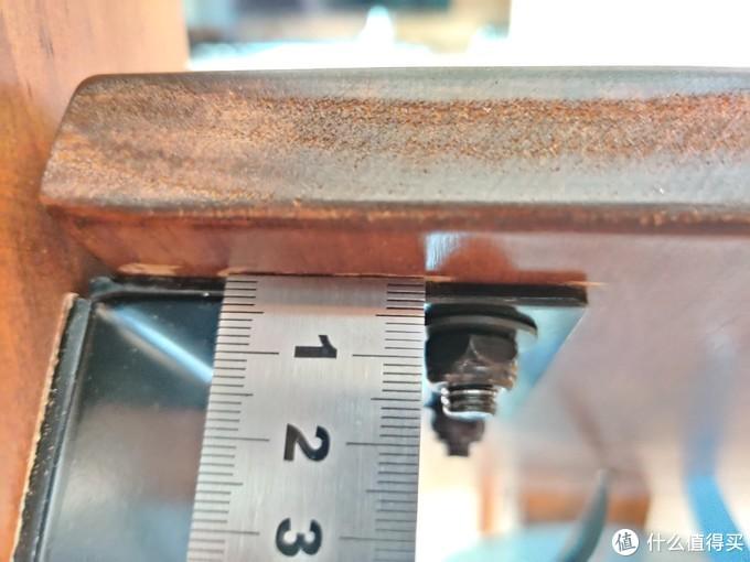 野小兽采用的加固件厚度是不到3mm
