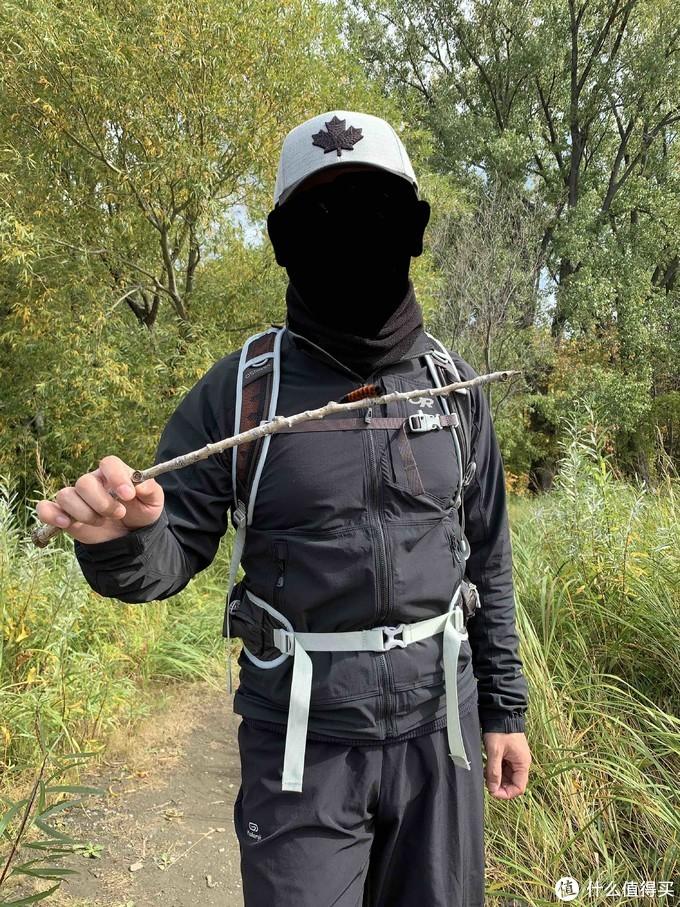 背包 Osprey魔爪 Talon 11 兼顾徒步与骑行的多面手
