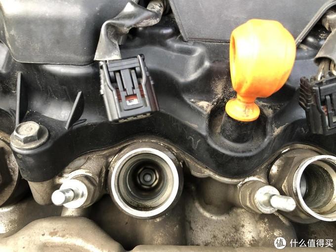 爱车DIY:自己动手更换火花塞、液压支撑杆,保养没有你想的那么难