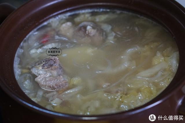 天凉了,鸡汤牛肉汤不如这汤,简单一炖,酸爽开胃特别香