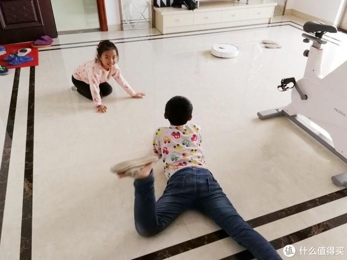与孩子健康、快乐学习随行——七色花儿童学习桌椅套装