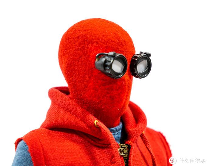 这样的小蜘蛛更像你的友好邻居——Hot Toys 蜘蛛侠 (自制战衣版) 1/6 可动人偶