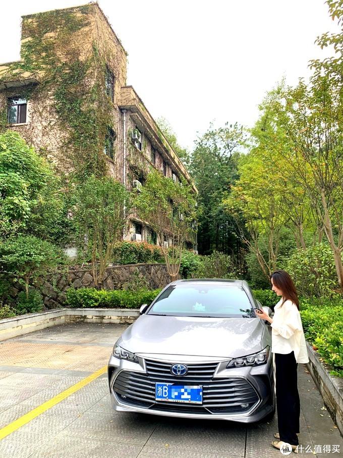 买银色是因为可以两个月不洗车[憨笑],其实我已经一个多月没洗车了。。