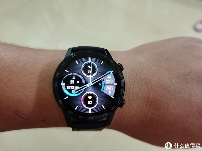 千元左右的智能手表我pick-又帅又能打的荣耀MagicWatch2 46mm碳石黑版