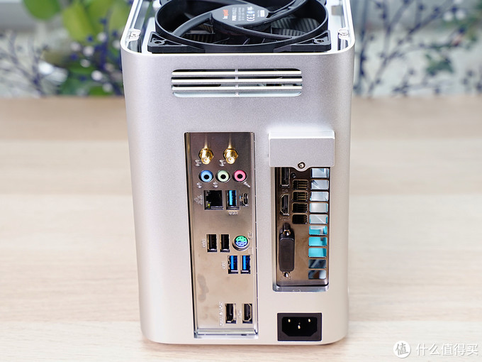 精致做到mini,无光也可美丽,一台ITX主机搭建全过程