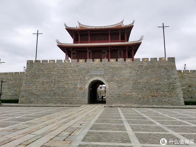 永宁古城在古狮,自驾很方便。