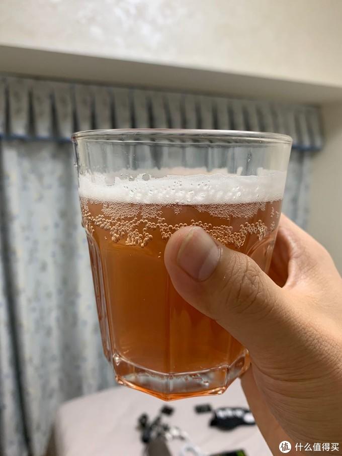 不一样的选择,试饮1664桃红啤酒