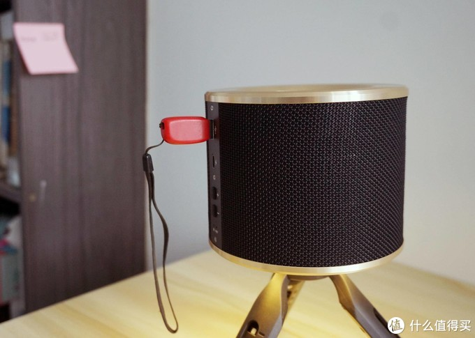 不止颜值在线、情调更给力、音质更出众,艾特铭客 A90蓝牙音箱上手!