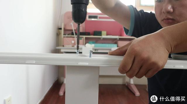 万千宠爱于一身,网易严选升降桌+台灯,提升幸福感的小物件