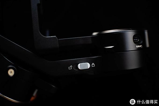 极易上手的入门相机手持稳定器—飞宇AK2000C相机稳定器分享