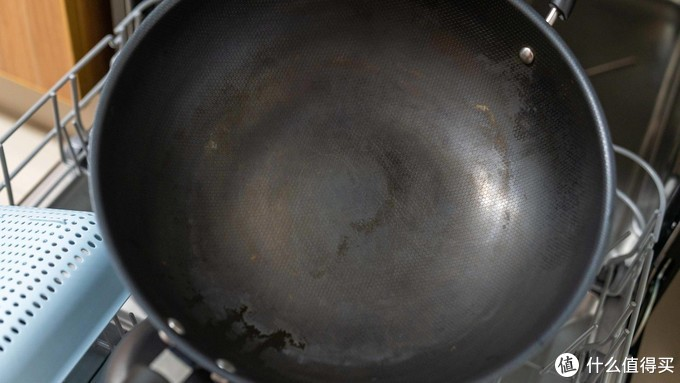 水温高至80度!能除菌消毒又会自动开门的海尔13套洗碗机 疫情之下的选择