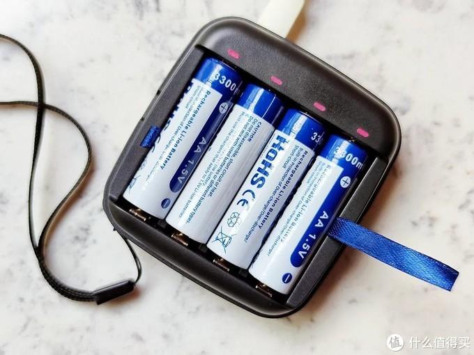 汉风评社 篇二十五:当你还在搬砖时,我已用上了掌上充电器。XTAR ET4S充电器开箱体验