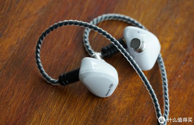 1000元内稀有的纯美白色耳机 HIFI新品IBASSO IT00评论